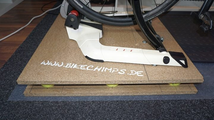 Bikechimps Rocker Plate DIY Bauhaus Teilen und Tennisbällen